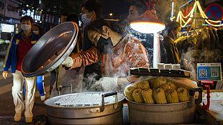 Çin'in Vuhan şehrinde bir pazar