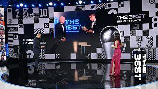 روبرت لواندوفسکی به عنوان بهترین بازیکن ۲۰۲۰ فوتبال جهان انتخاب شد