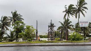 """إعصار """"ياسا"""" الضخم يجتاح أرخبيل فيجي."""
