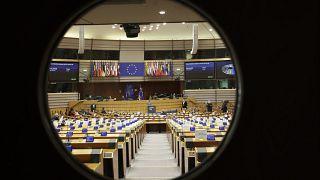 """Brexit : les Eurodéputés approuvent les mesures d'urgence en cas de """"no deal"""""""