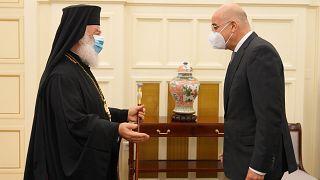 Ο υπουργός Εξωτερικών, Νίκος Δένδιας συναντήθηκε με τον πατριάρχη Αλεξάνδρειας Θεόδωρο Β