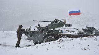 Karabağ'da görevli Rus askerleri