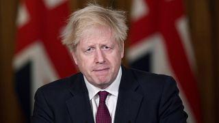 Μπόρις Τζόνσον: Αυστηροποίηση των περιορισμών στο Λονδίνο - Κλείνουν λιανεμπόριο και κομμωτήρια