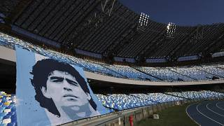 تكريم مارادونا