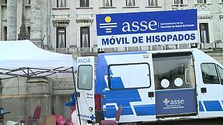 Puesto de test de coronavirus en Montevideo