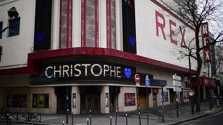 استمرار إغلاق قاعات السينما والمسارح في فرنسا