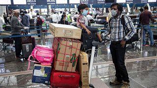 مطار مسقط الدولي، سلطنة عمان، 12 مايو 2020