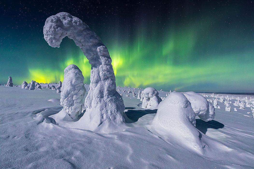 1052x701 cmsv2 aae8c11c d7ec 555f bf97 e2ce510bbcd7 5215692 - Stunning selection of 2020s best Aurora Borealis images
