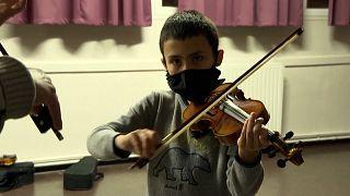 """""""Génération Démos"""" : ouvrir le monde de la musique aux enfants des quartiers"""