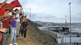 مغاربة على الحدود مع سبتة عام 2010