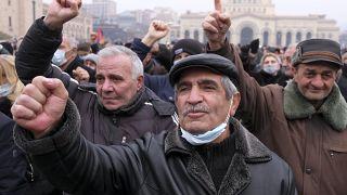 Αντικυβερνητικοί διαδηλωτές στην πρωτεύουσα της Αρμενίας