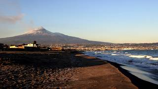 Tuesdad evening's earthquake in Sicily came amid eruptions in the island's Mount Etna