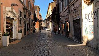 Olaszország a karácsony előtti utolsó pillanatban szigorított
