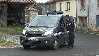 Nach den tödlichen Schüssen auf Gendarmen in St Just