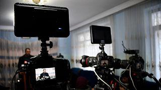 روایتهایی از چالش اطلاعرسانی در افغانستان؛ خبرنگاران در این کشور با چه مشکلاتی مواجهاند؟