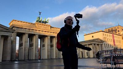 Jeremy Minsberg during his tour guide in Berlin