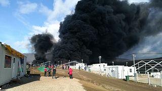 آتشسوزی گسترده در اردوگاه پناهجویان در حاشیه شهر بیهاچ بوسنی