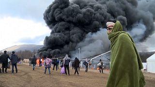 Un camp de migrants détruit par le feu en Bosnie