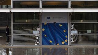 27 aprovam acordo comercial pós-Brexit