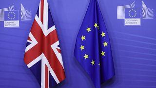 """Великобритания и ЕС согласовали все условия сделки о формате будущих отношений после """"брексита"""""""