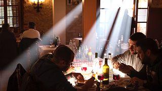 Karácsonyi ebéd egy katalán étteremben, még 2017-ben (illusztráció)