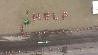 مددخواهی خلاقانه رانندگان کامیون در شب کریسمس