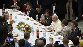 Papa abre palácio no Vaticano aos sem-abrigo