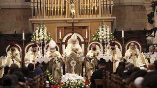بطريرك القدس لطائفة اللاتين يحيي قداس الميلاد في كنيسة المهد ببيت لحم