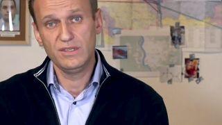 Ο Αλεξέι Ναβάλνι παρουσίασε βίντεο στο οποίο διατυπώνει συγκεκριμένες κατηγορίες για την δηλητηρίαση του.