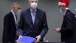 مسؤولو الاتحاد الاوروبي خلال اجتماع خاص في مبنى المجلس الأوروبي في بروكسل. 2020/12/25