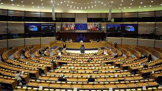 AB'den Türkiye'ye hukukun üstünlüğü uyarısı