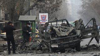 فخخ المهاجمون آلية تابعة للشرطة ما أدى إلى انفجارها وسط العاصمة الأفغانية