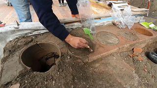 """شاهد: كشك يقدم """"الوجبات السريعة"""" عمره نحو 2000 سنة في بومبي الإيطالية"""