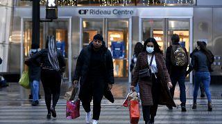 كندا تسجل أولى الإصابات بفيروس كورونا المتحور (مسؤولون صحيون)