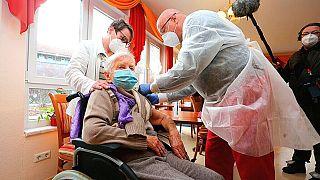 تزریق واکسن کرونا در آلمان