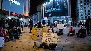 اعتراض به بیکاری، گرسنگی و دیکتاتوری ناشی از محدودیتهای کرونایی در مادرید
