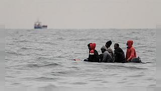 Migrants : le risque Covid peut-il ouvrir le droit à la protection humanitaire?