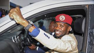 """""""Bobi Wine"""" olarak da bilinen Uganda devlet başkanı adayı Robert Kyagulanyi"""