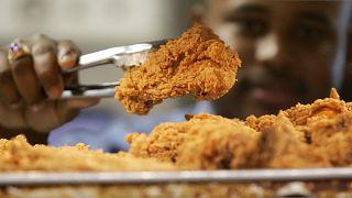 ممنوعیت تبلیغ خوراکهای چاقکننده