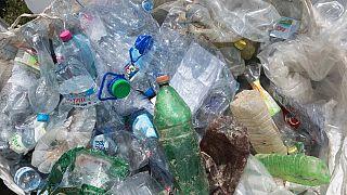 Műanyaghulladék a Tiszán