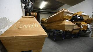 Särge im Krematorium in Meißen