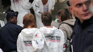 مظاهرة لمنظمة مراسلون بلا حدود في باريس