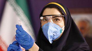 آغاز آزمایش انسانی نخستین واکسن ایرانی کووید-۱۹