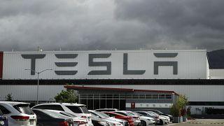 Tesla'nın Kaliforniya'daki bir fabrikası