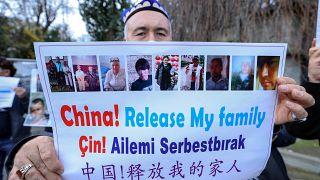 Uygur Türkleri'nden Çin'in istanbul Başkonsolosluğu önünde eylem