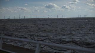 صورة من الارشيف - توربينات طاقة الرياح