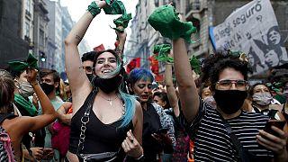 Aprovada legalização do aborto na Argentina