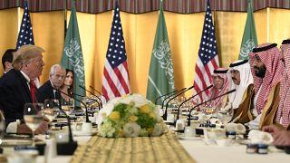 خلال لقاء عمل بين ولي العهد محمد بن سلمان ودونالد ترامب على هامش قمة العشرين في أوساكا اليابانية (2019)