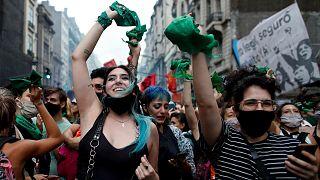 شادی شماری از زنان برای برخورداری از حق سقط جنین در آرژانتین