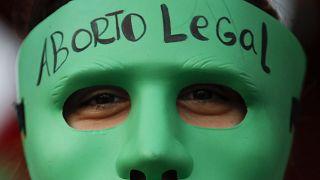 احتفالات في العاصمة الأرجنتينية بعد إقرار قانون الإجهاض